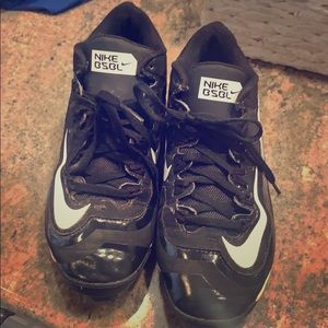 Your boys baseball cleats. Size 4.5.